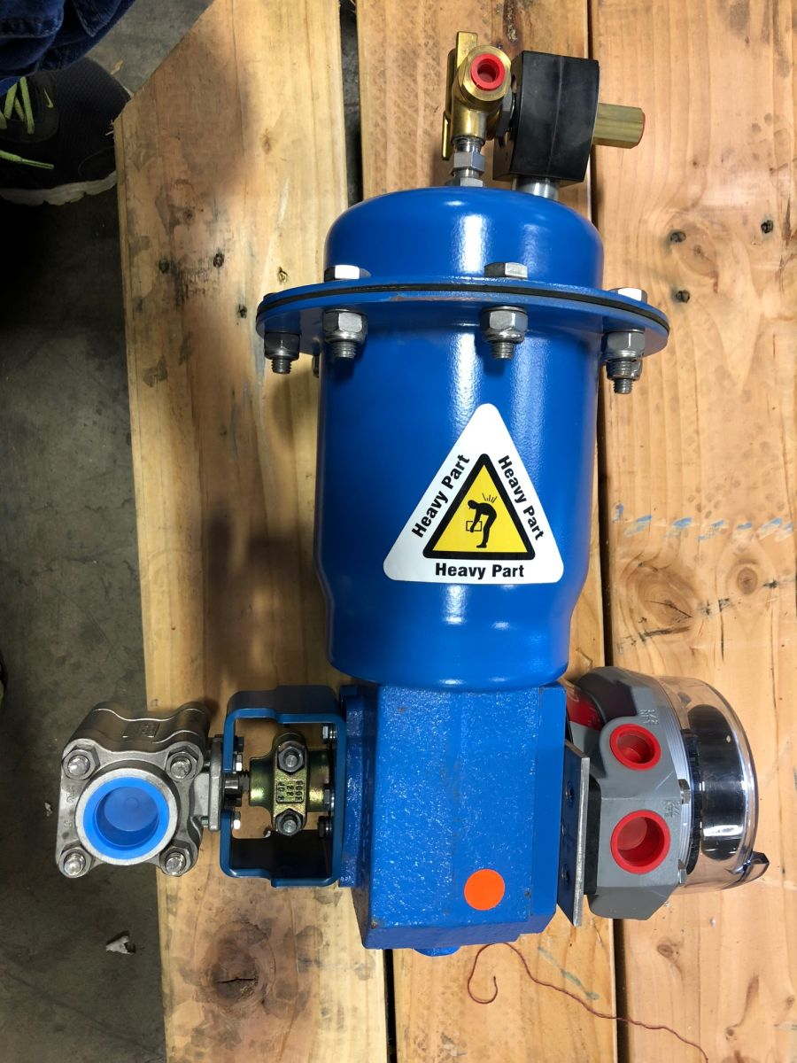Jamesbury 1in Control Valve 4A-3600MT-A1 W/ Actuator And Limit Switch