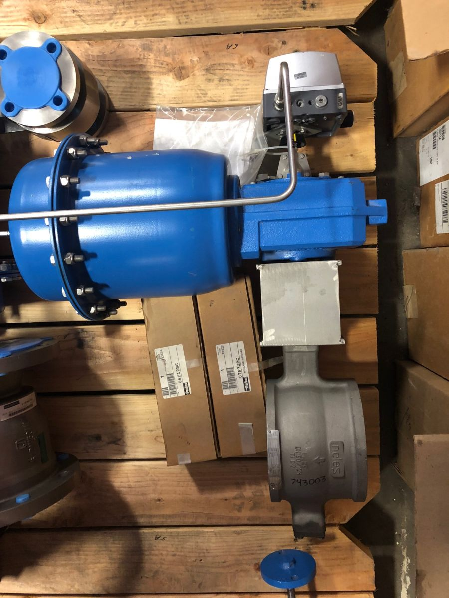 Neles Ball Valve 6in PN 25 R1LA150TTTU W/ Actuator And Positioner